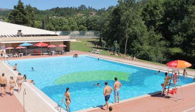 Câmara abre piscinas