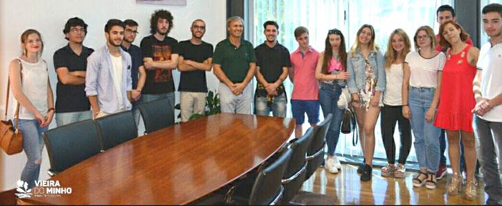 Programa Jovem Voluntário com 70 participantes