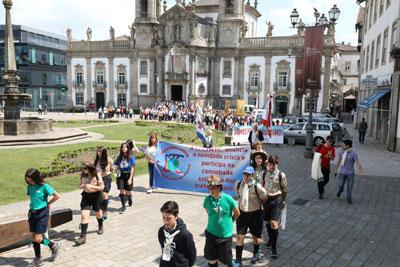 Vigília de Pentecostes pelas ruas da cidade