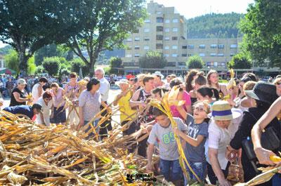Desfile e desfolhada em Vieira do Minho