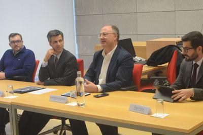 Euro-deputado questiona legalidade do financiamento de obras do Estado com verbas dos municípios