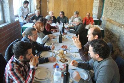 Colaboradores de JV em almoço de aniversário