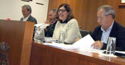 Assembleia Municipal chumba transferências de competências do Governo