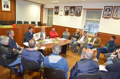 Executivo reúne com presidentes de Junta de Freguesias