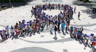 Laço Azul assinalou Mês de combate aos maus tratos na infância em Vieira do Minho