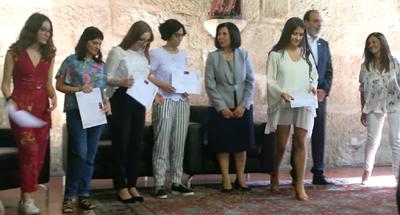 Carolina Lourenço recebe Bolsa de Excelência da UM