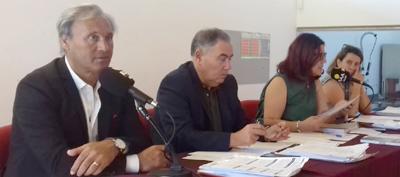 """Assembleia Municipal """"chumba"""" transferência de """"competências"""" e extingue Vieira Cultura e Turismo"""