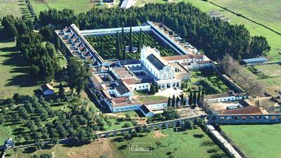 Monges da Cartuxa encerram mosteiro de Évora