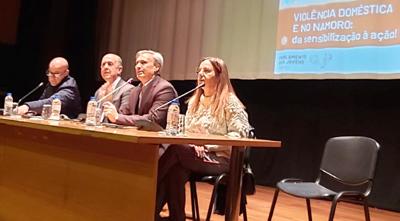 """Parlamento Jovem vieirense debate """"Violência doméstica e no namoro""""<br>"""