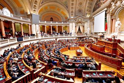 Assembleia da República aprova despenalização da eutanásia