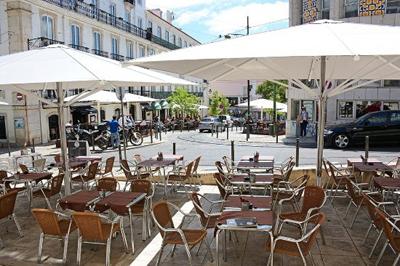 Restaurantes e cafés reabrem a 18 de Maio
