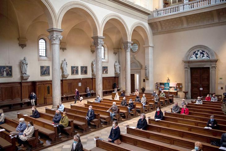 Igrejas vazias um desafio para renascer