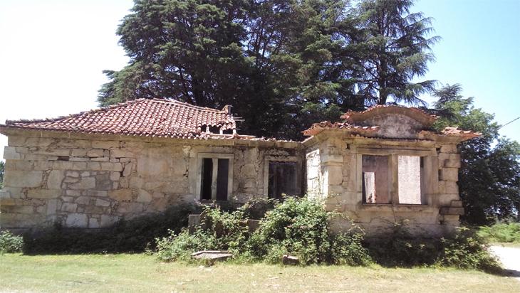 Casa Florestal em ruínas. Quem pode acudir