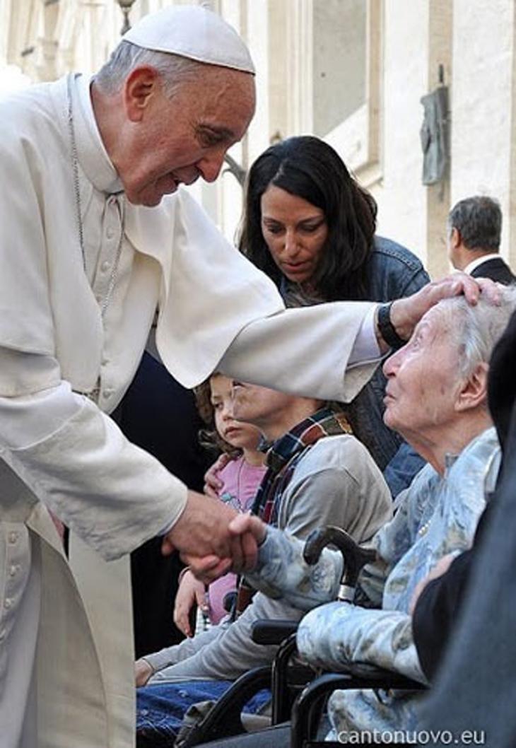 """Papa Francisco: não há paz sem a """"cultura do cuidado"""""""