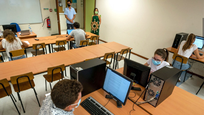 Professores pedem duas câmaras ligadas durante exames do ensino superior