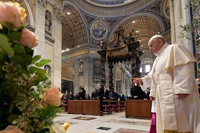 Papa recorda vítimas da pandemia e pede distribuição mundial de vacinas